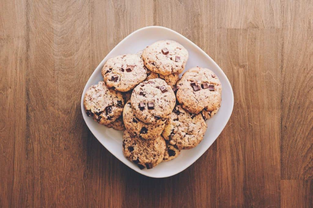 ciasteczka owsiane w misce