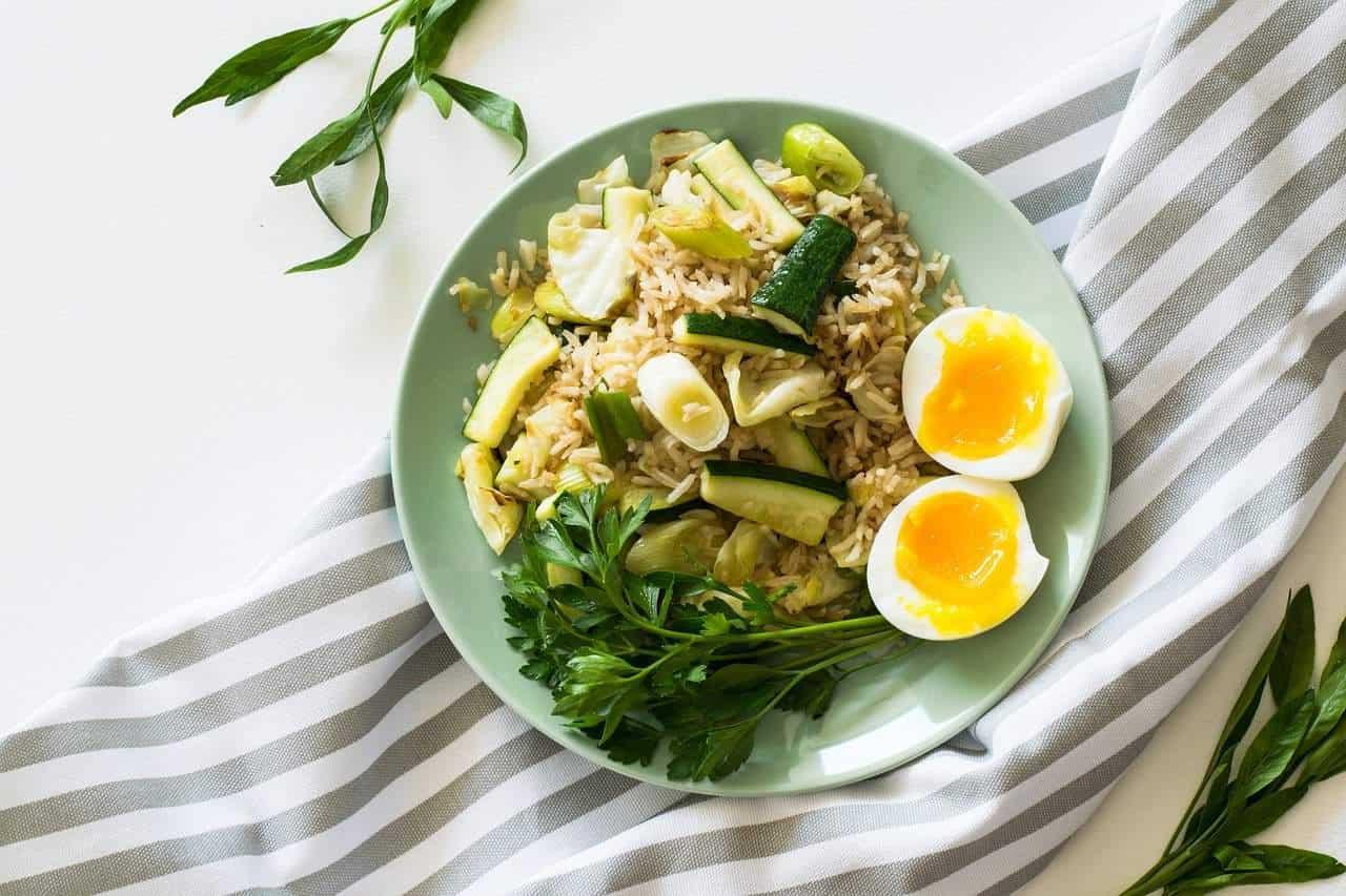 Co jeść przed i po treningu, żeby przyspieszyć proces CHUDNIĘCIA? | Mangosteen